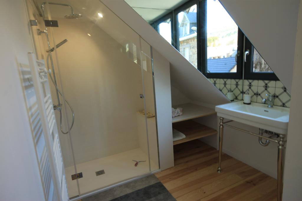 salle d'eau du cosy à l'étage